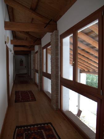 Corte del Brenta : Il corridoio per l'accesso alle camere