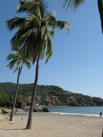 Сиуатанехо, Мексика: The beach in Zihuatanejo