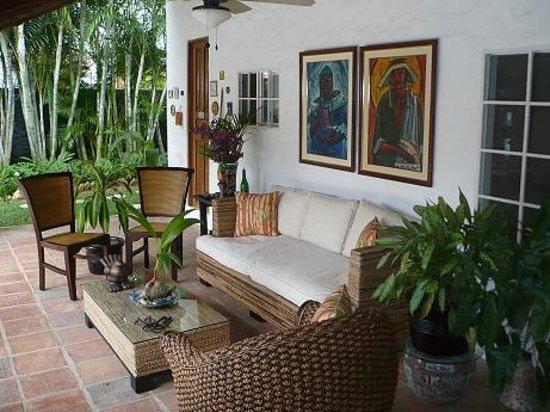Villa Botero By Casa Mojito: Terrace by the pool