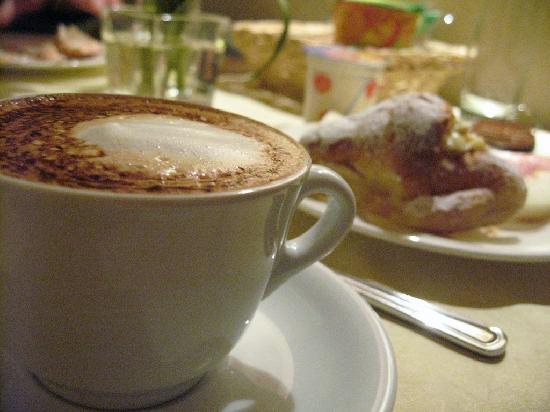Hotel Residenza San Calisto: Breakfast - Cappucino
