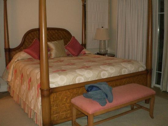 The Landings St. Lucia: Master bedroom