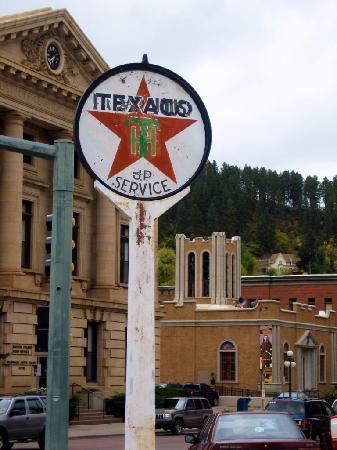 Deadwood, SD: Vinatage Gas Station Sign