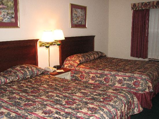 Country Inn & Suites By Carlson, Chattanooga I-24 West: 2 queen beds