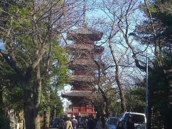 Ikegami Hommon-ji Temple: 五重塔です。重要文化財です。