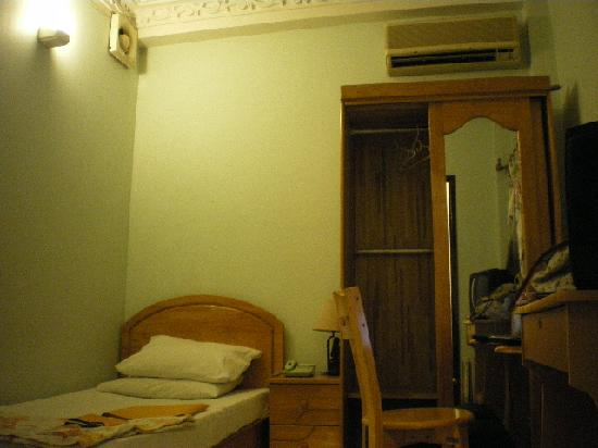 Phoenix 74 Hotel: single room