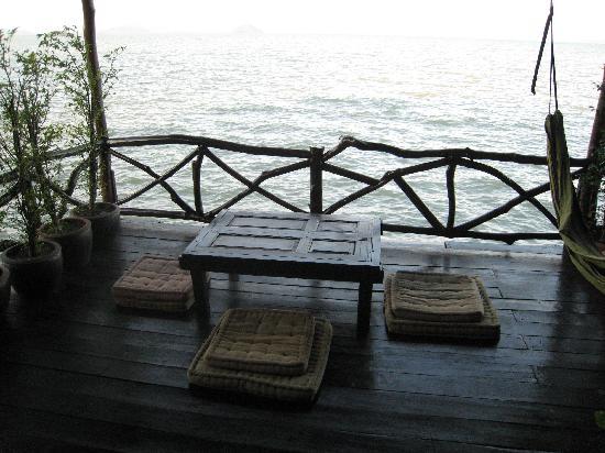 Mango Guesthouse + Villas: Terrase