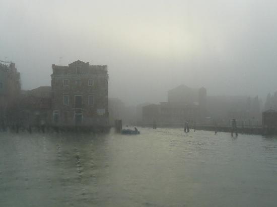 Casa Pisani Canal: Weihnachtsanreise im Nebel