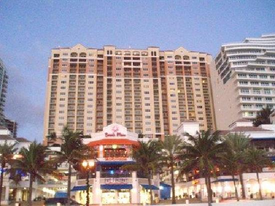 Marriott Beach Place Towers And