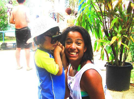 Pacific Islands Club Guam: スタッフが子供と遊んでくれます