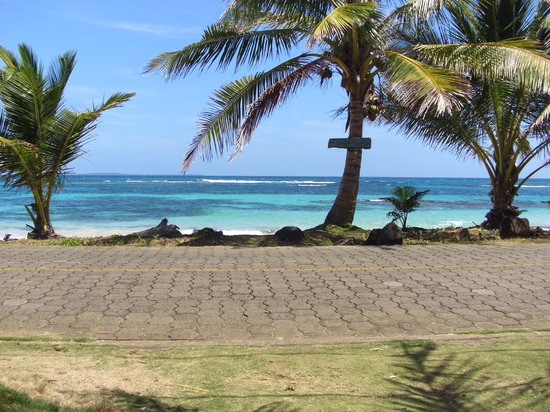 Big Corn Island, นิการากัว: View of road & beach ouside of Darcy's (scuba instructor) house.
