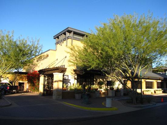 Mastro's Ocean Club : The restaurant