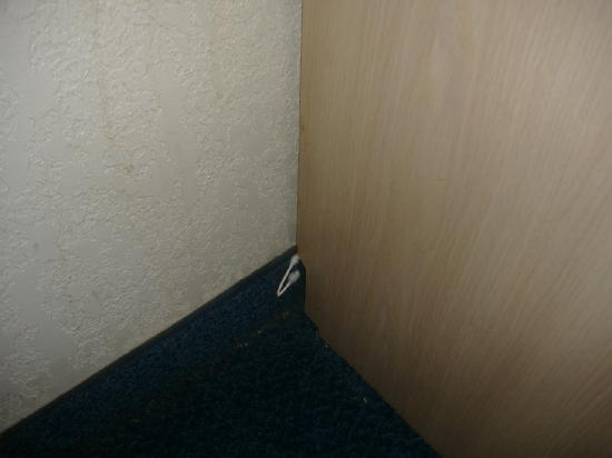 Motel 6 Denver Central - Federal Boulevard: q-tip stuck to side of desk