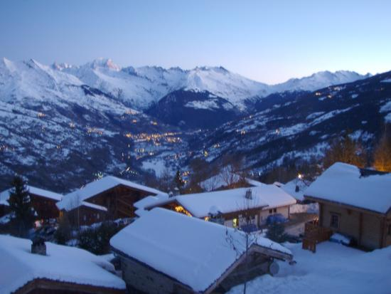 Chalet Joie de Vie: Early morning view from the lounge