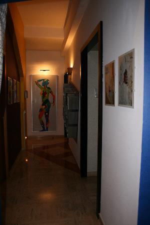 Alle Fornaci a San Pietro - Bed & Breakfast: Il corridoio dell'appartamento