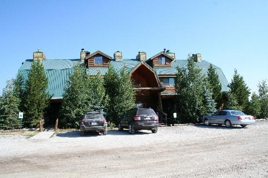 Bar-N-Ranch : L'extérieur de l'hôtel.