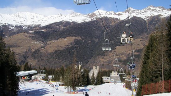 Alberghi Marilleva: view of hotel from ski run