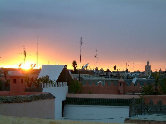 Riad Zina: Sonnenuntergang über Marrakech