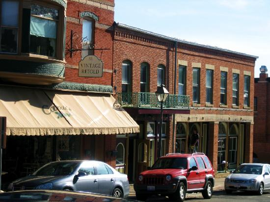 galena il storefronts