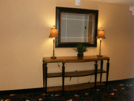 Hampton Inn Jacksonville-I-295 East/Baymeadows: Elevator Lobby on Fourth Floor