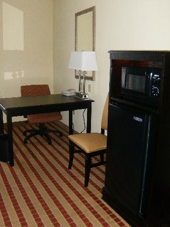 Hampton Inn Jacksonville-I-295 East/Baymeadows : Hotel Room 403
