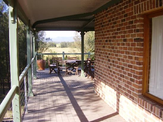 Hunter Valley Bed & Breakfast: ANOTHER VIEW OF LARGE UNDERCOVER VERANDAH