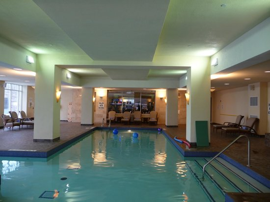 JW Marriott The Rosseau Muskoka Resort & Spa: Indoor Pool area