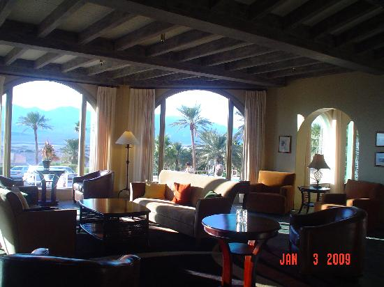 The Inn at Furnace Creek Dining Room : just like the Fairmont Chateau's Lobby!