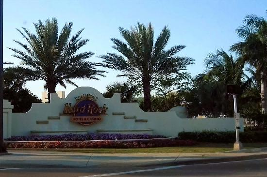 Seminole Hard Rock Hotel Hollywood : Compound Entrance