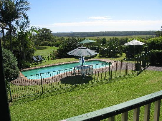 The Lodge - Far Meadow : The pool area
