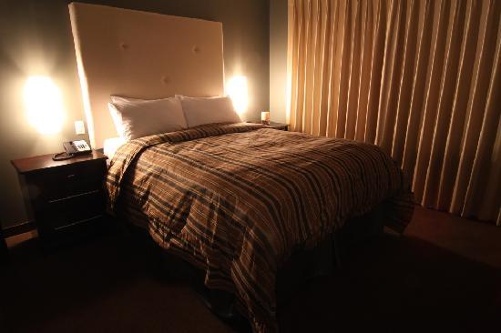 Sunrise Ridge Waterfront Resort: Bedroom