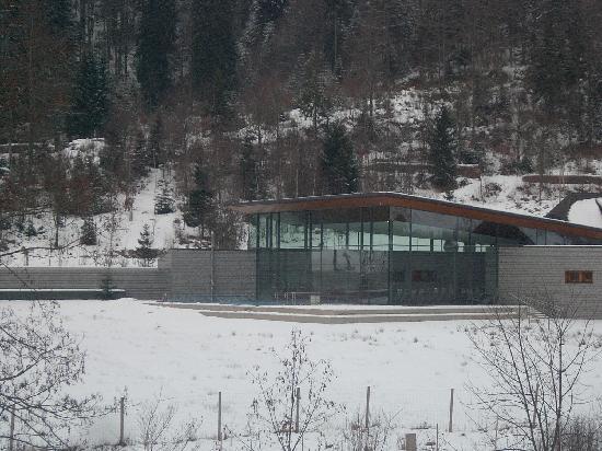 Gästehaus Grünenberg: Radon Baths - Menzenschwand dare yourself to plunge from the snow