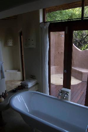 Impodimo Game Lodge: Our bathroom!