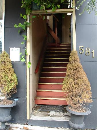 Urban Hideaway Guesthouse: Entrance