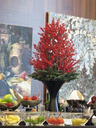 Ararat Park Hyatt Moscow: Breakfast room & deco