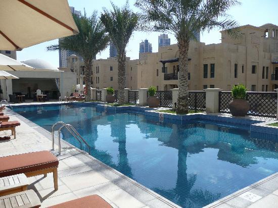 Manzil Downtown Dubai: Pool