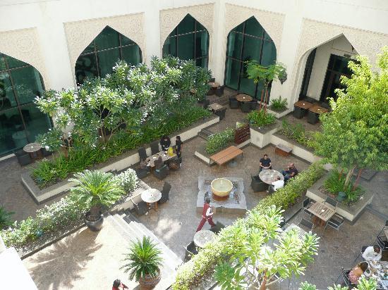 Manzil Downtown Dubai: Sheesha Bar