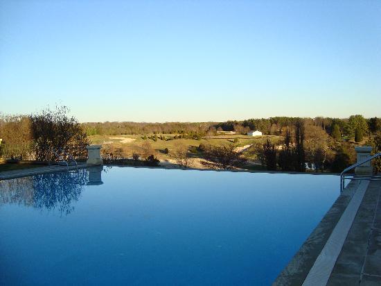 Keswick Hall: Outdoor pool