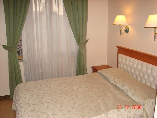 Prestige Hotel: Bedroom