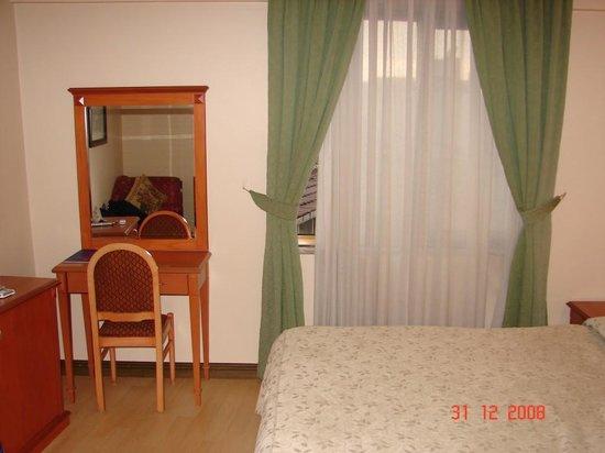 Prestige Hotel: Room