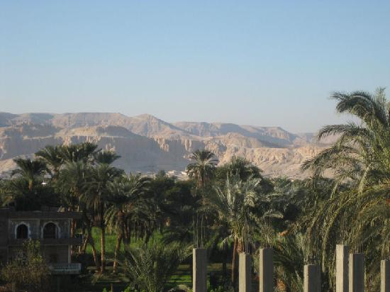 Amon Hotel Luxor: View from the roof - Queens Valley