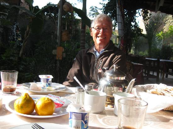Amon Hotel Luxor: A quiet breakfast in the garden