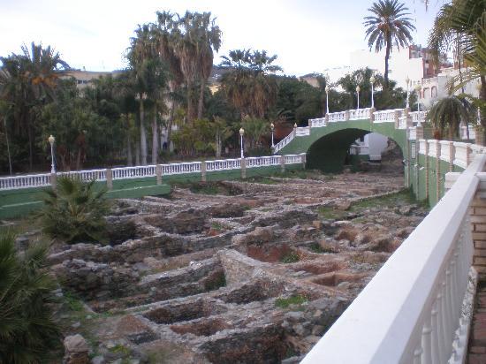 Hotel Bahia de Almunecar: Fabrica de Salazones en el Parque del Majuelo