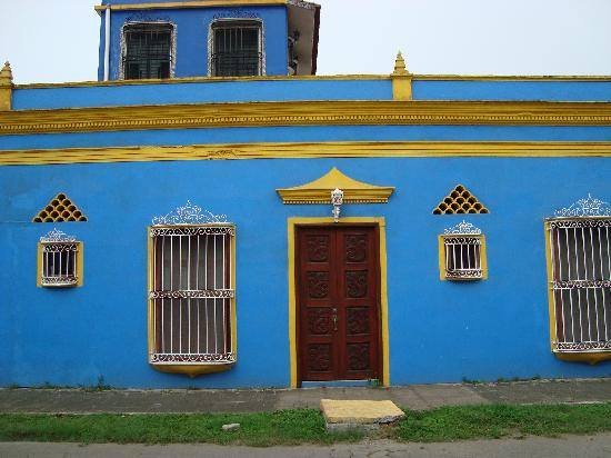 Casa De La Luz: One of the many colourful buildings