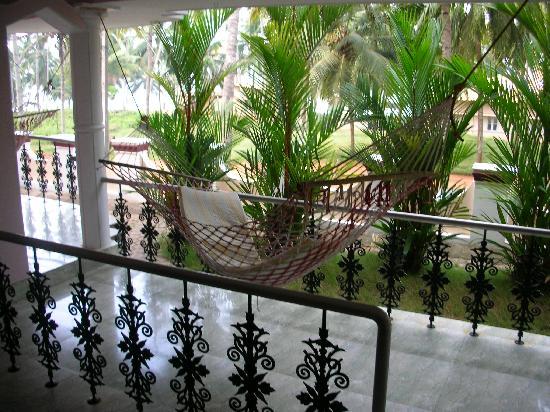 Sea Breeze Beach Resort: terrace
