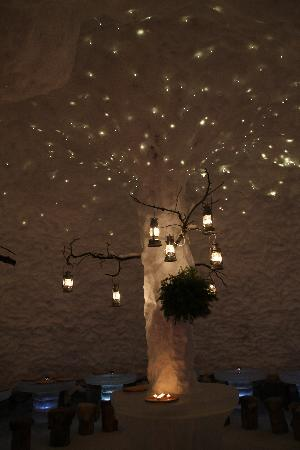 Lumimaa - Snowland: The twinkling ceiling