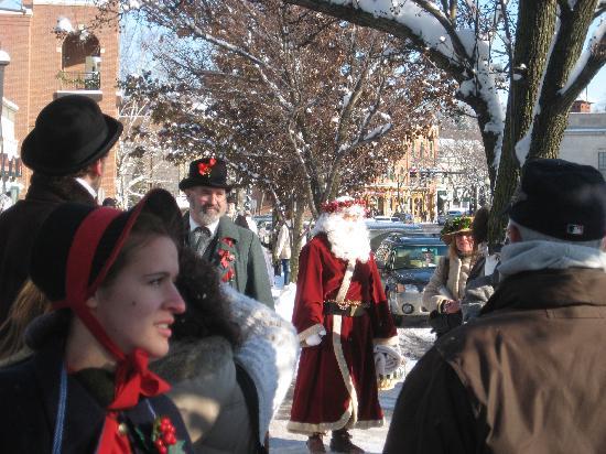 Skaneateles Suites: Dickens Christmas  - Santa