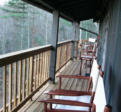 Bent Creek Lodge: The second floor balcony