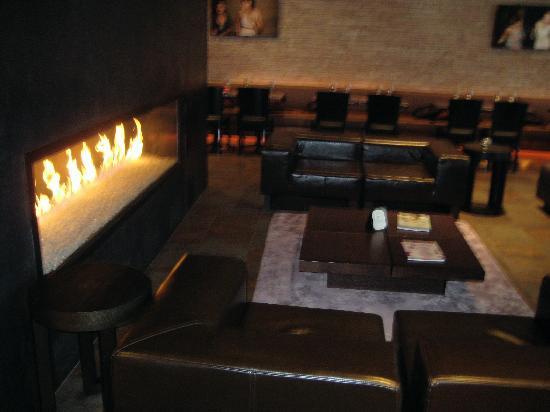 O Hotel: Lobby