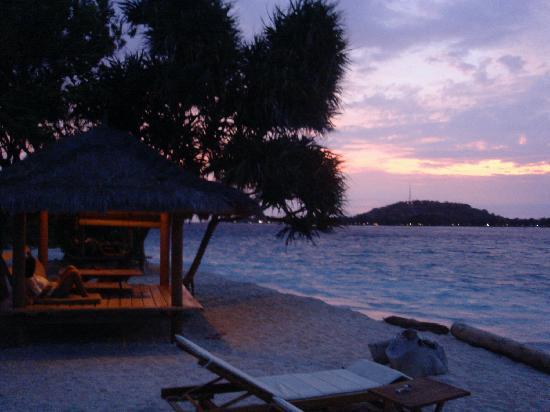 Sunset Gecko: Sunset from the Gecko's beach