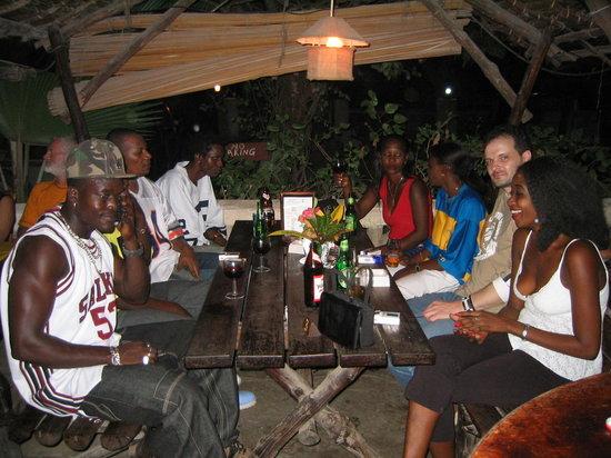 Safari Inn Bar & Restaurant: Geburtstagsparty im Safari Inn mit Celina
